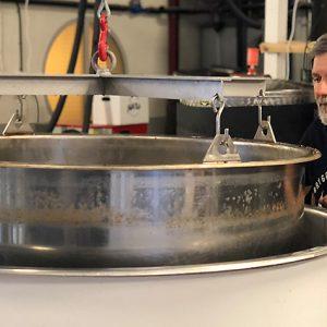 Ölprovning och visning av mikrobryggeri i Stockholm